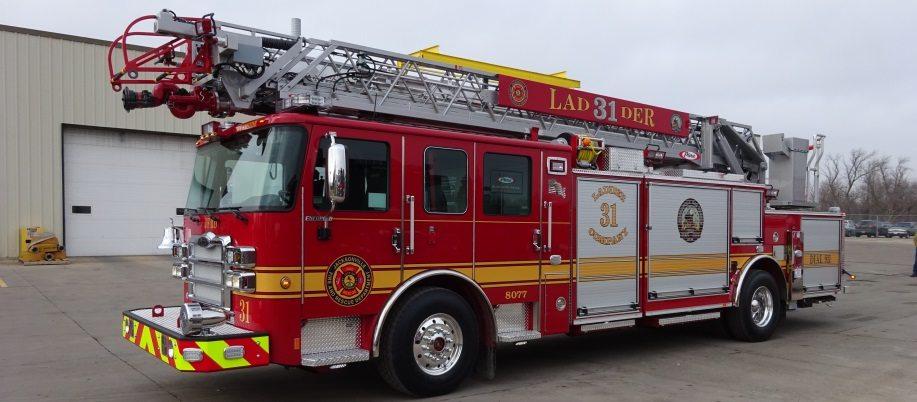 Ten 8 Fire Equipment Pierce Enforcer 75 Aerial Ladders